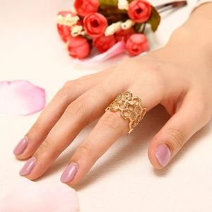 Jewelry - GORGEOUS BEE RING NEW